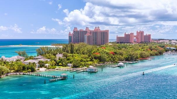 amazing_caribbean_beach_at_nassau_bahamas_2.jpg