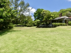 Guest House Lawn