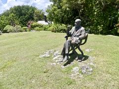 Garden Statue of Noel Coward
