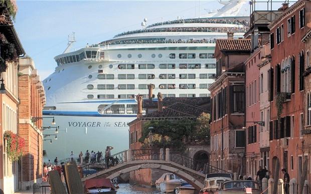 VeniceAlamy.jpg