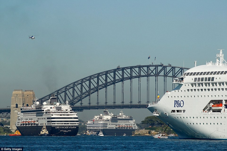 The P&O Five Cruise Ship Spectacular